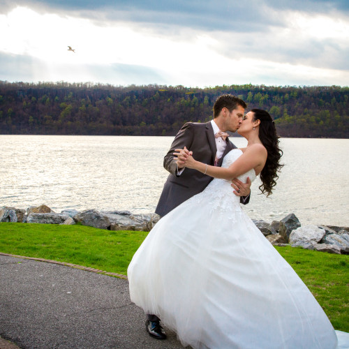 Opposites Attract at Hudson River View | Melissa and Ron